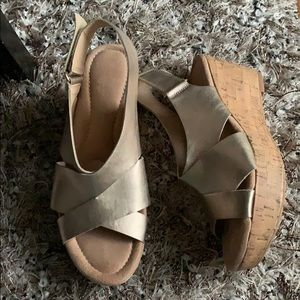 CL by Laundry gold wedge cork sandals